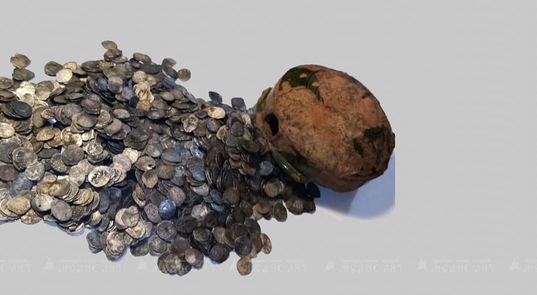 В одной из таких фляг был спрятан клад, обнаруженный в Киеве в 1876 году